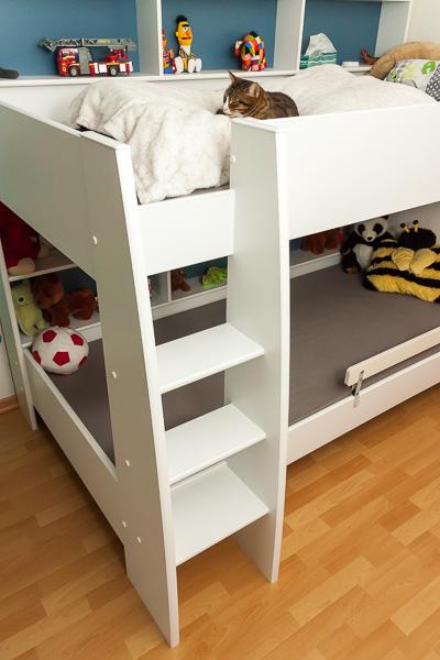 noahs neues hochbett die vier waden. Black Bedroom Furniture Sets. Home Design Ideas