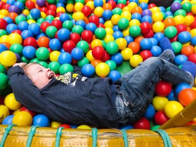 Spaß im Indoor-Spielplatz