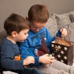 An Silvester gibt's Besuch von Cousin und Cousine.