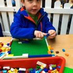Findet Liam irgendwo (das kleine) Lego, muss er damit spielen.