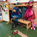 Gute-Laune-Liam morgens im Kindergarten