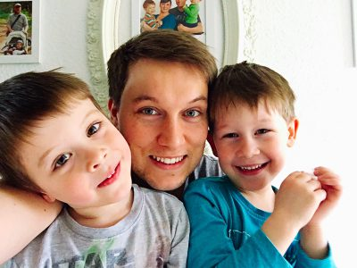 Vater-und-Söhne-Selfie