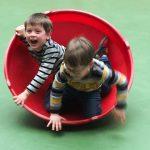 So kann man unsere zwei Bengel auch ab und zu antreffen, wenn man sie vom Kindergarten abholt.